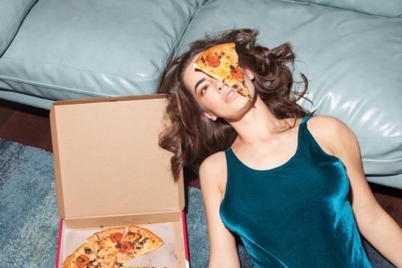 お腹がすく時間帯は午後7時と午前2時。この時間、人は無性に何かを食べたくなる(スコットランド研究)