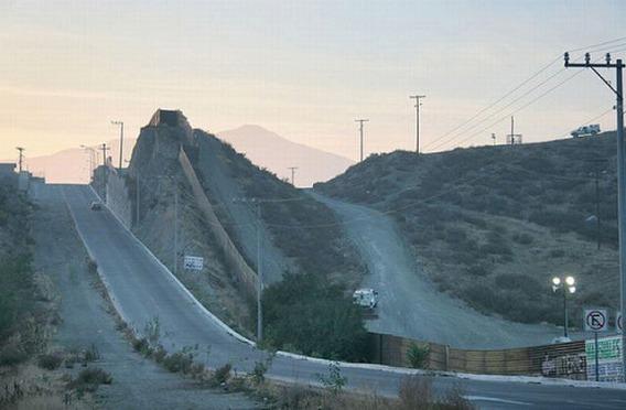 the_border_between_640_25