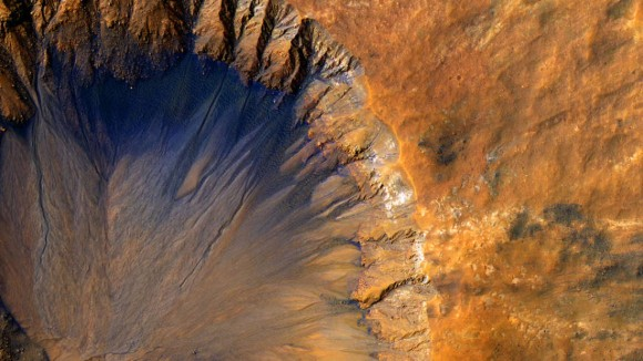 火星には起源が異なる2種類の水がある(米研究)