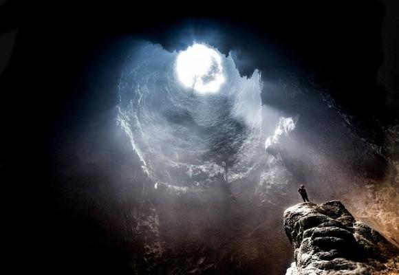 cave-2604672_640_e