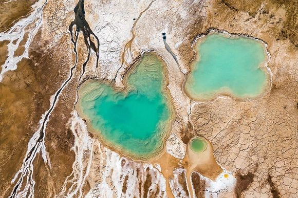 まるで異世界。ドローン撮影した死海の写真は地球の奥深さを見せていた(イスラエル・ヨルダン)