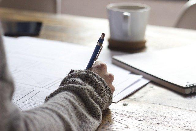 悩んでいる?辛いことがあった?ならばその経験を書いてみよう。書くことで精神状態が改善されるとする研究結果