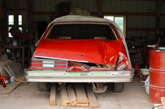 歴史上数少ない「軌道が正確に解析された隕石」駐車中の車のトランクに落下したピークスキル隕石(アメリカ)