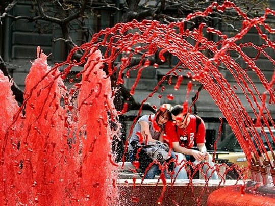 Red_Fountains_Of_Bucharest_2