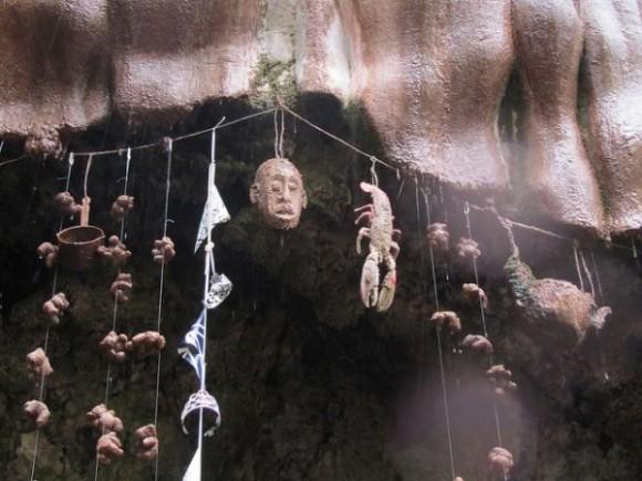 水に触れたものすべてが石化する。脅威の状態異常を引き起こす「ナレスボロの石化泉」(イギリス)
