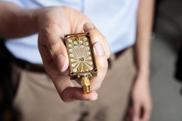 人工原子を利用した安定的な量子シリコンチップの開発に成功(オーストラリア研究