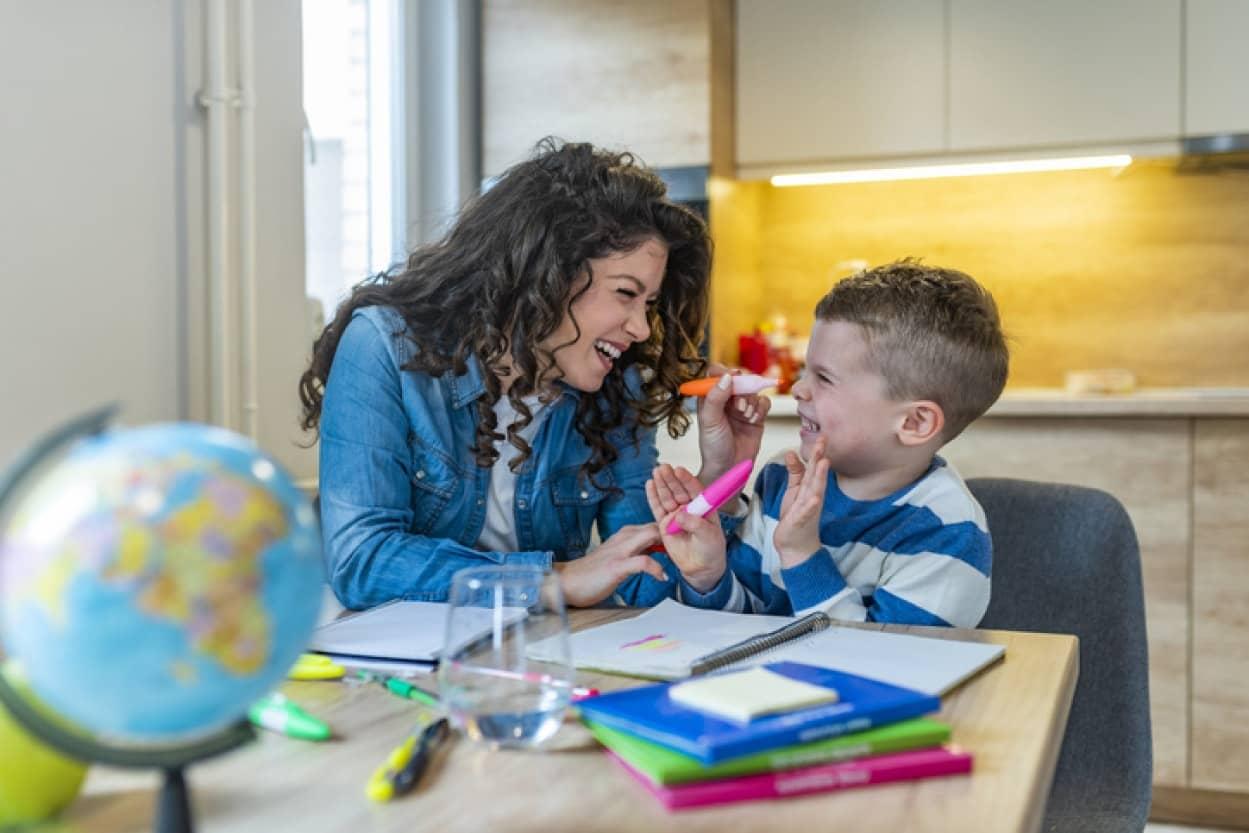 子育てと教育。お金の勝ちを教える為7歳の子に家賃と生活費を請求する母親
