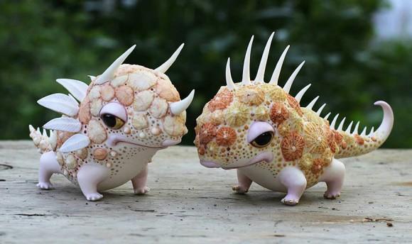陶器に美しい彩色を施したファンタジー世界の動物たち