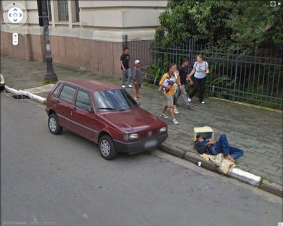 curious_google_street_640_08