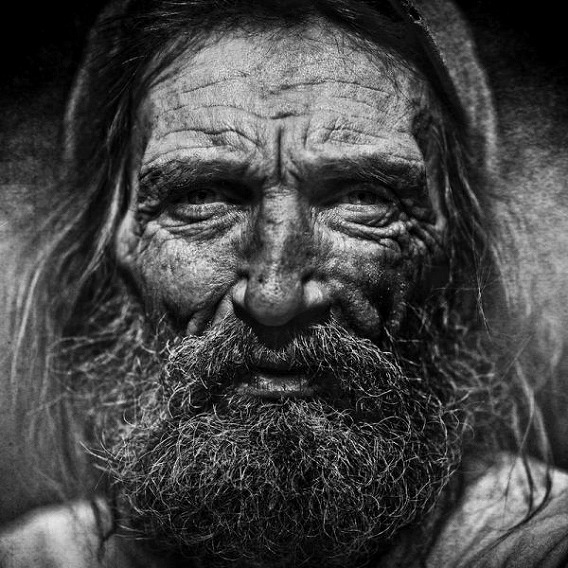 amazing_black_and_white_photos_of_the_homeless_640_04