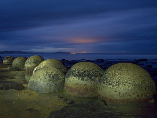 boulders_from_out_640_05