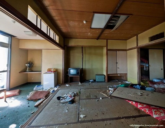 an_abandoned_hotel_in_japan_640_33