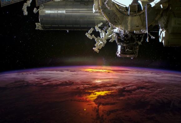 宇宙は人間の臓器を製造するのに最適な場所かもしれない(国際宇宙ステーション)
