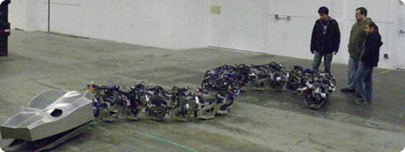 全長15メートル、巨大なヘビロボットがヘビそっくりに動くよ