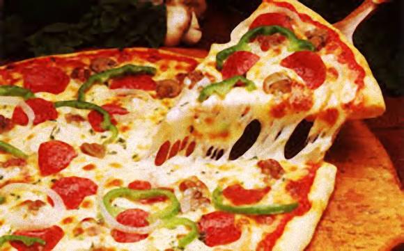 サラミがたくさんピザ