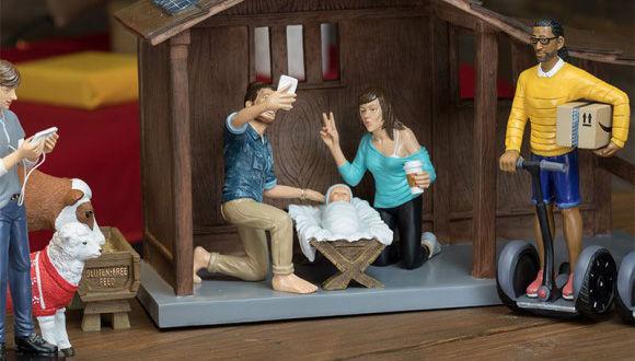 もしもイエス・キリストが2016年に生まれたとしたら?マリアとか自撮りでピースする現代解釈的キリストフィギュア