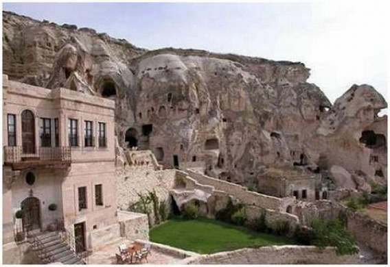 a_cave_hotel_640_02