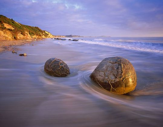 boulders_from_out_640_10