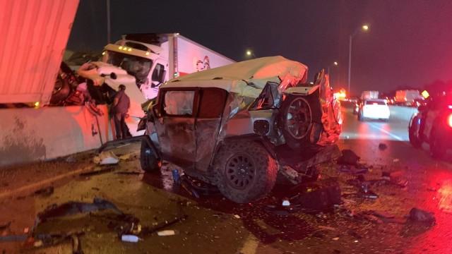 トヨタが粋な計らい。130台の壮絶な玉突き事故に巻き込まれながらも人々を救った英雄に新車をプレゼント