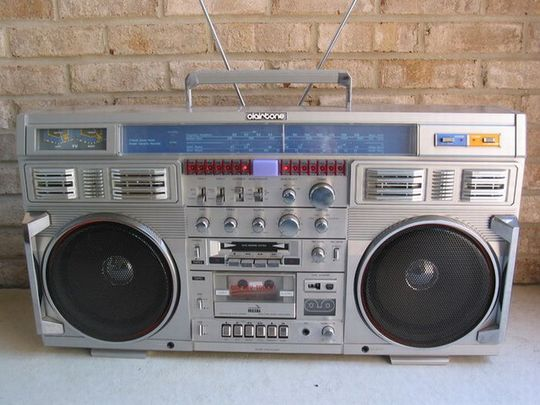 old_school_boomboxes_04