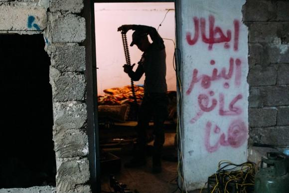 だれも買ってくれないからタダであげるよ。激戦が繰り広げられていたモスルで撮影した報道写真を無料公開。