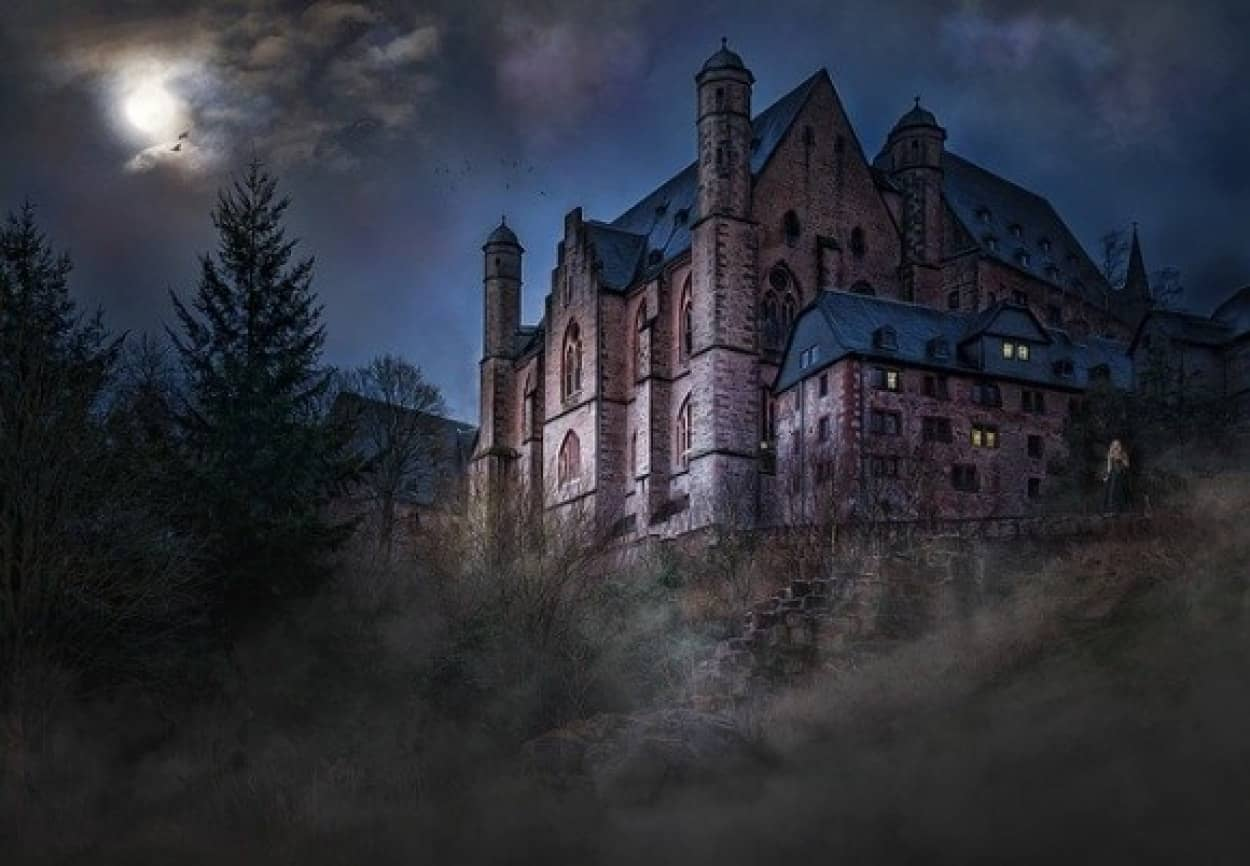 castle-1483681_640_e