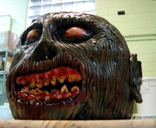 creepy halloween cake (3)