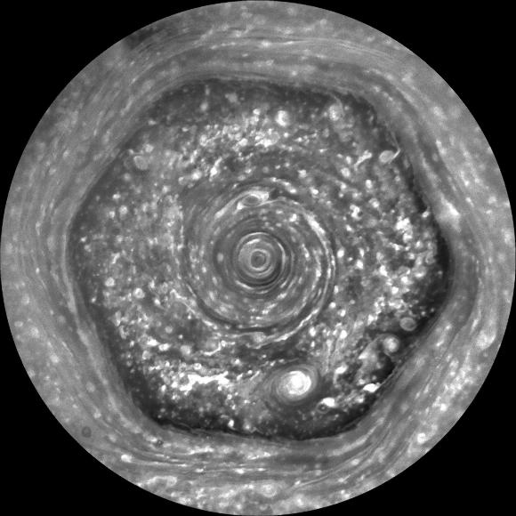 Hexagon_on_Saturn_e