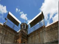 サンペドロ 刑務所