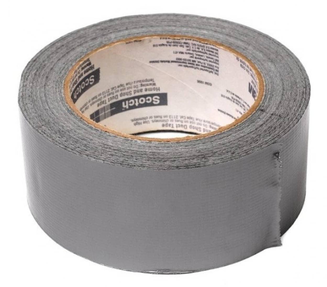 アメリカの航空会社、トラブルを起こす乗客をダクトテープでぐるぐる巻きに