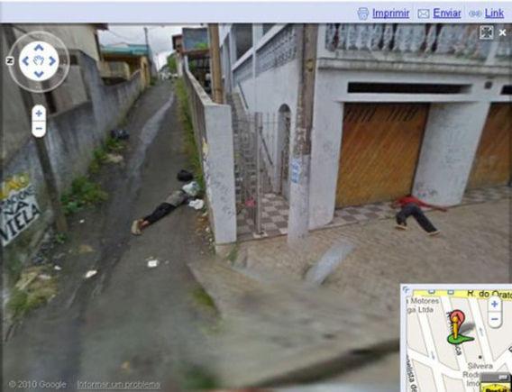 curious_google_street_640_11