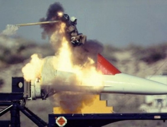fascinating_pilots_ejections_640_19