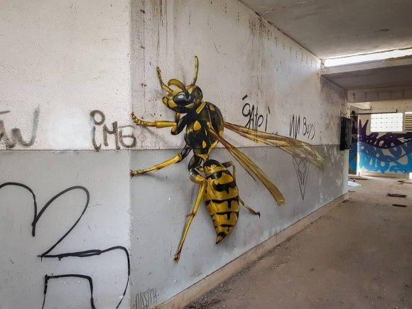 ドキッとするリアリティ。壁面を支配する巨大昆虫の3Dグラフィティアート