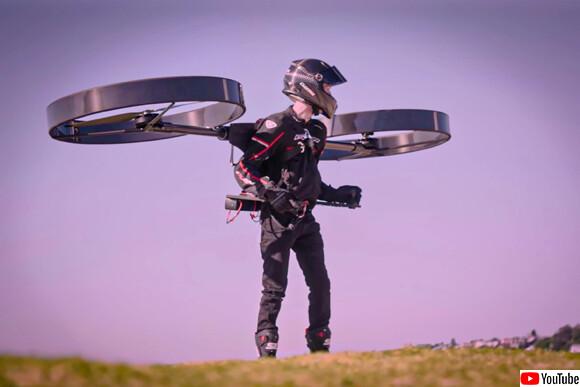 これが現代版タケコプターか!回転翼で宙に浮く「コプターパック」のテスト飛行