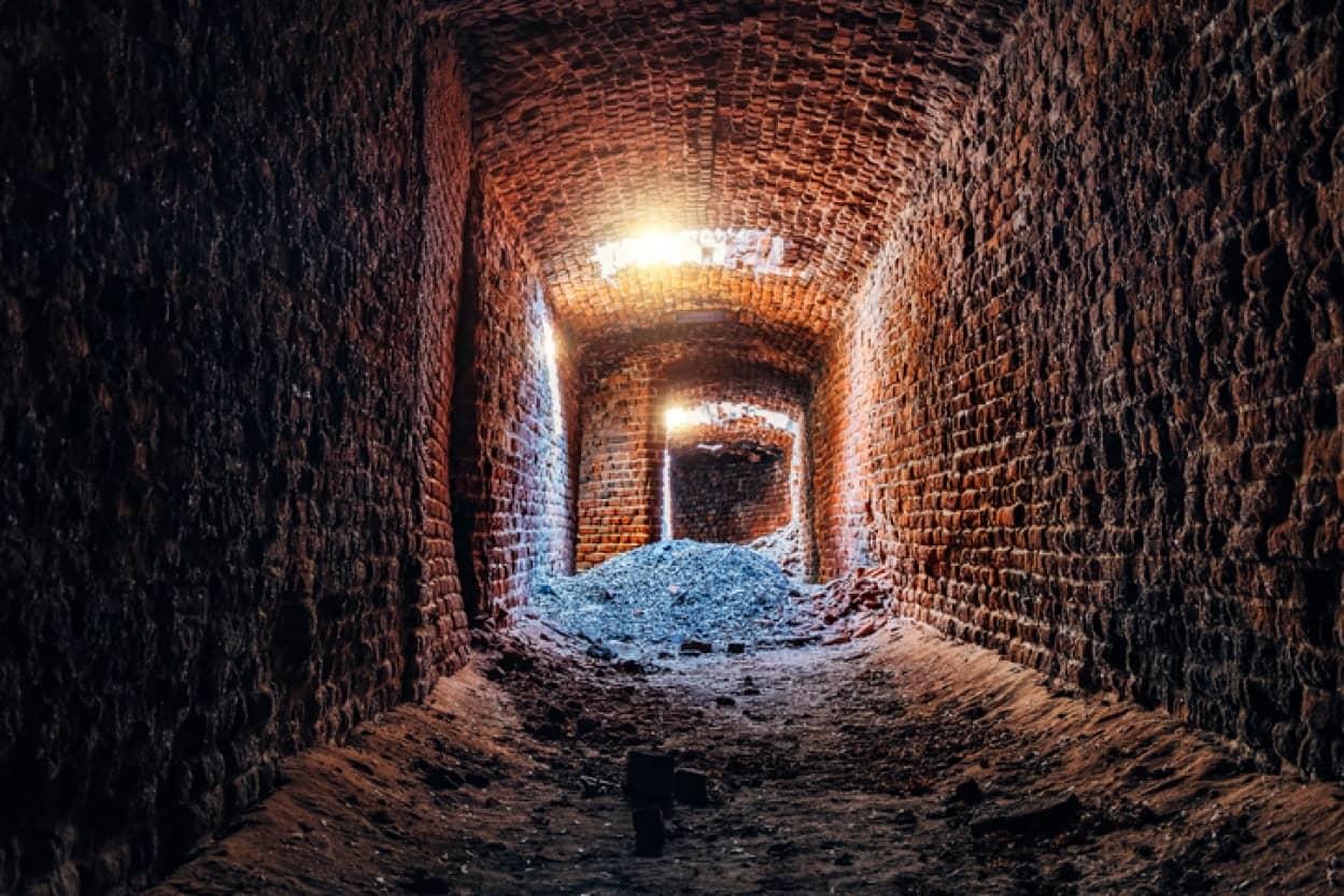 家の地下に19世紀のトンネルを発見!