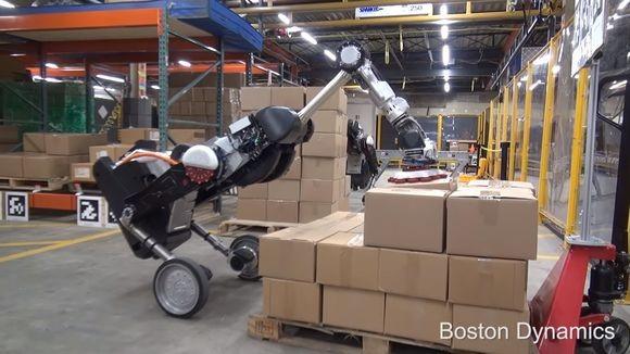 ボストンダイナミクスの最新ロボットは鳥型。倉庫内での荷積み・仕分け作業に特化したニュータイプがお披露目