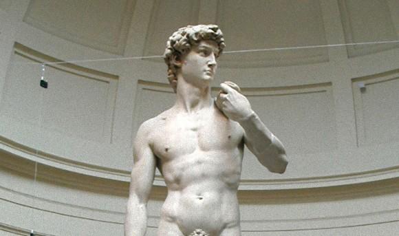 なぜ古代彫刻像の息子スティックはあんなにも小さいのか?科学的に検証する。