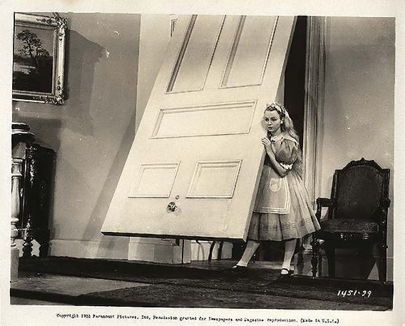 Alice_In_Wonderland,_still,_Paramount,_1933-2_e