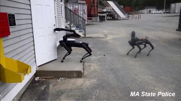 ロボット警察犬が誕生の予感。アメリカの警察が犬型ロボット「スポット」の採用を検討中(マサチューセッツ州)