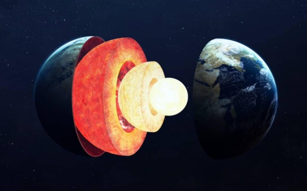 地球の核(内核)は左右で成長が異なることが判明