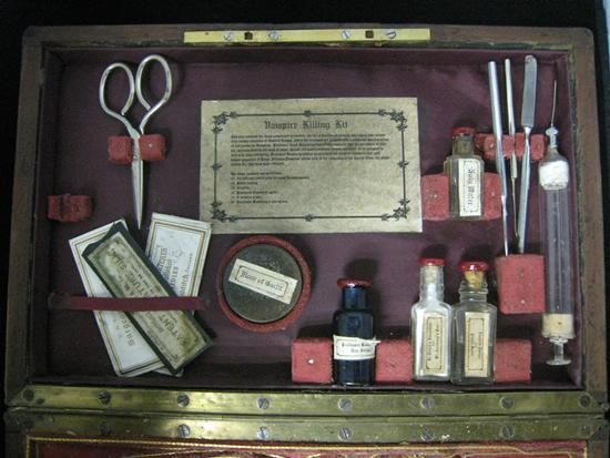 vampire-killing-kit6
