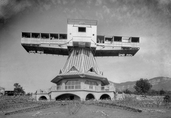 全ては日光浴の為。19世紀後半のフランスで日光療法の為に設置された大がかりな回転式サンルーム