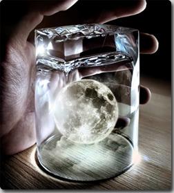 インド探査機、月に水が存在する...