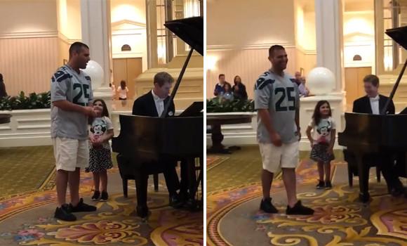 ディズニーワールドで小さな娘からの突然のリクエスト。父親の歌う「アヴェ・マリア」が素晴らしすぎて会場から拍手喝采!