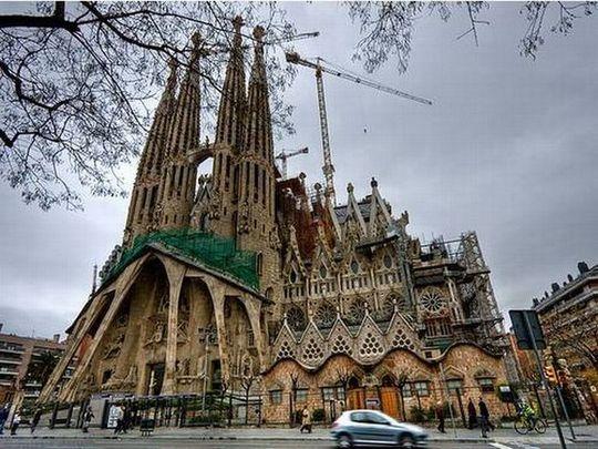 temple_expiatori_de_la_sagrada_familia_in_barcelona_19