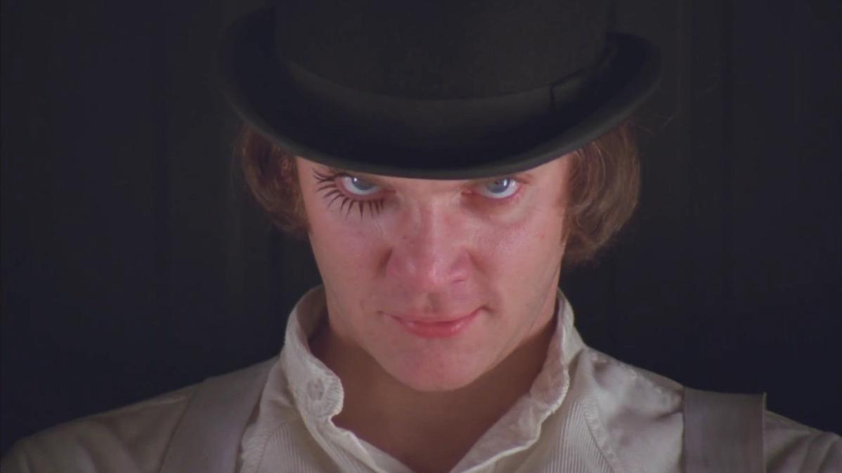 時計じかけのオレンジで少年たちが被っている帽子には紆余曲折があった