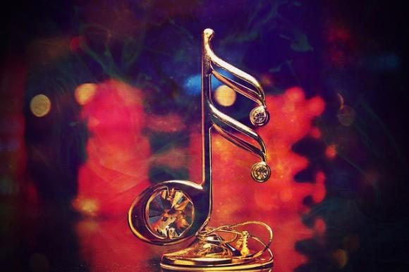 街で延々と繰り返されるクリスマス音楽は精神衛生上良くない(臨床心理士)