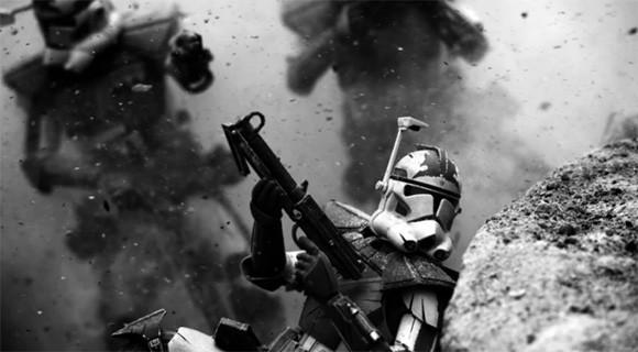 米海兵隊員がそのカメラを通して撮影した臨場感溢れるスターウォーズフィギュアの戦闘写真