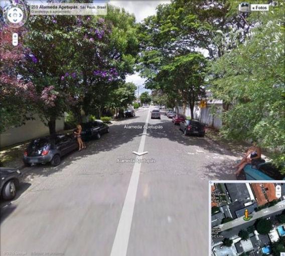 curious_google_street_640_05