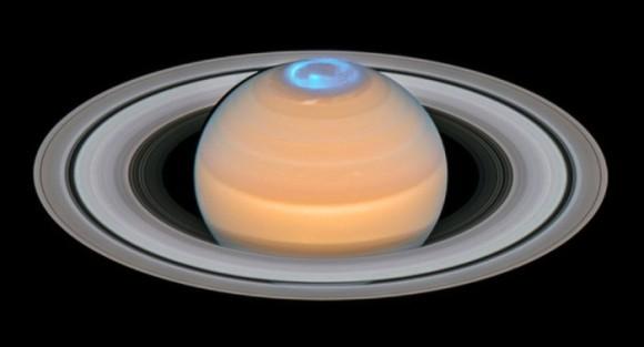 サウロンの目かな。新たに公開された土星のオーロラ写真(ハッブル宇宙望遠鏡)